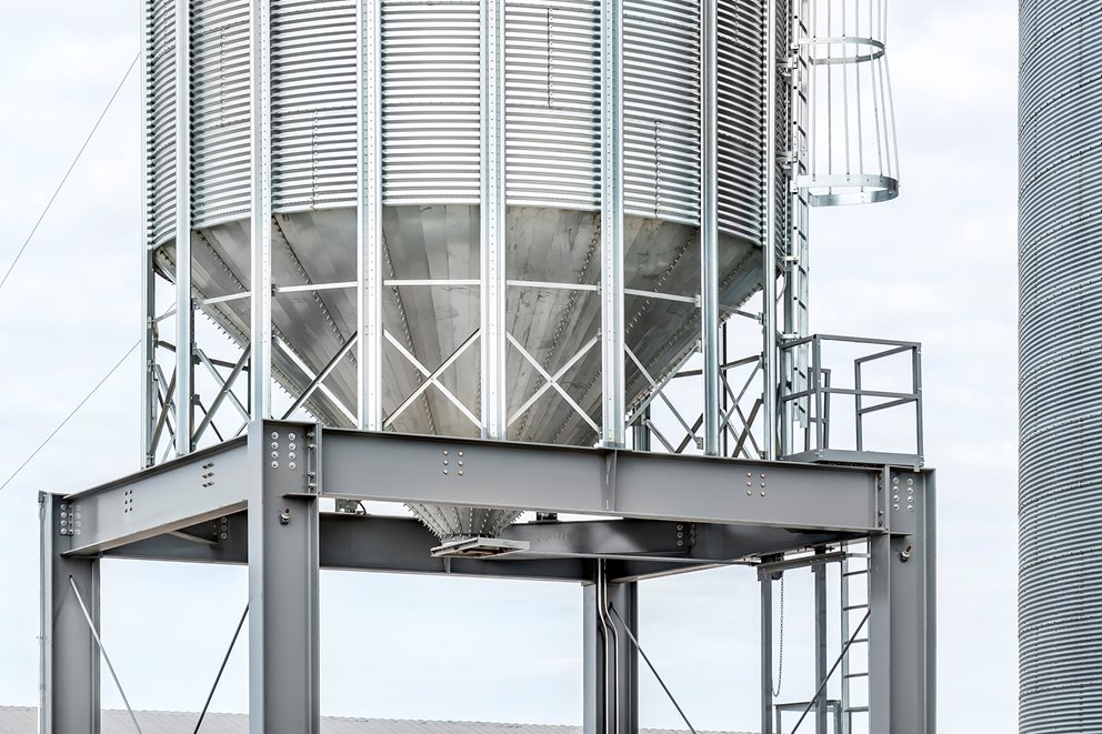 Brownie produces sturdy and rugged structures that improve personal safety and ease of access for your grain storage. Image